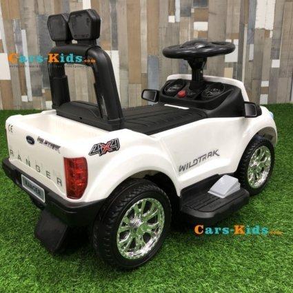 Электромобиль - каталка Ford Ranger DK-P01 (свет фар, музыка, педаль газа)
